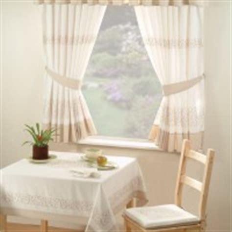 tende piccole tende per finestre piccole