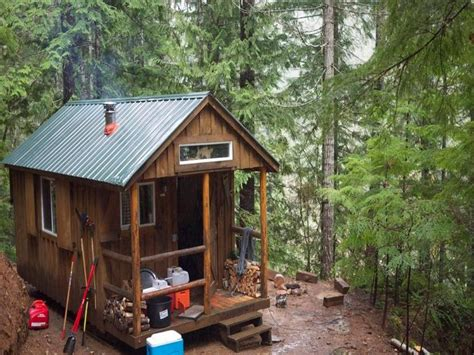 tiny cabin small off grid cabins small cabin homes cool small cabins
