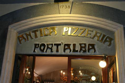 pizzeria port alba pizza passione napoletana la veracit 224 232 di casa a port