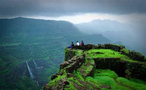 tourist attractions  mumbai   traveling