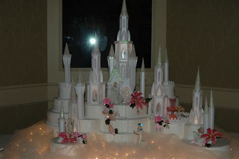 Castle and Train   Cinderella Themed Wedding Cakes   Food