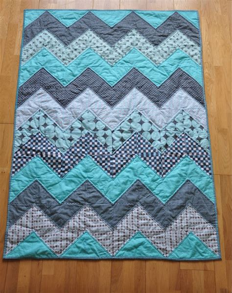 How To Quilt A Quilt by Chevron Quilt Tutorial Quiltylicious