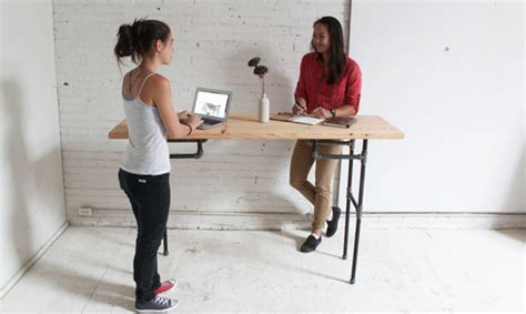Standing Desk Lose Weight by Here S How Standing For About An Hour At Work Can Help You