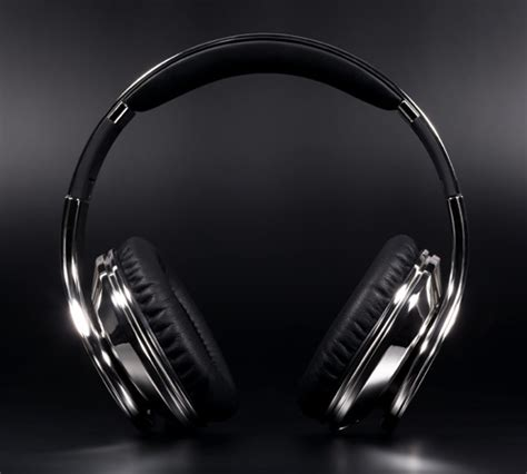 Aksesoris Handphone Earphone Headset Color Custom Beat colorware chrome custom studio dr dre beats headphones slashgear