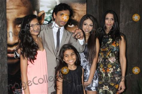 Photos and Pictures - M. Night Shyamalan, Wife Bhavna ... M Night Shyamalan Daughters