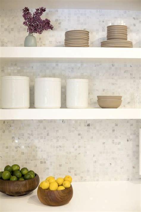 badezimmer backsplashes die besten 78 ideen zu badezimmer mit mosaik fliesen auf