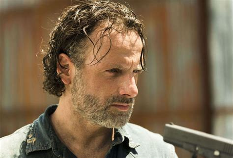 andrew lincoln rick grimes the walking dead season 7 andrew lincoln drops major
