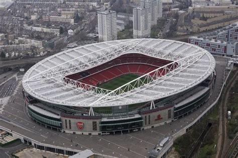emirates stadium london woman shot dead 400m from arsenal s emirates stadium uk