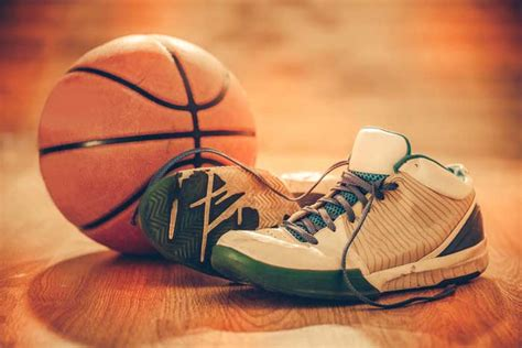 best basketball shoes for outdoor play 10 best outdoor basketball shoes reviews of 2017