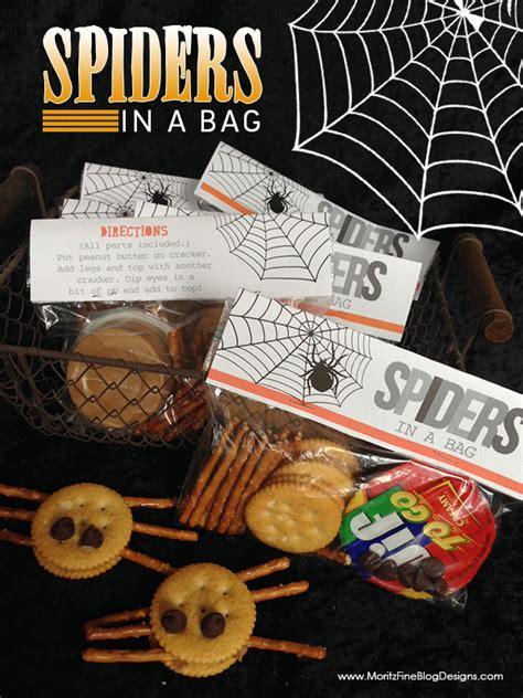 printable halloween bag decorations spiders in a bag halloween free printable bag topper