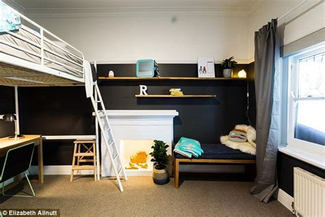 16 year bedroom ideas blue tongue pair and leighton saved from reno rumble elimination as judges praise the pair