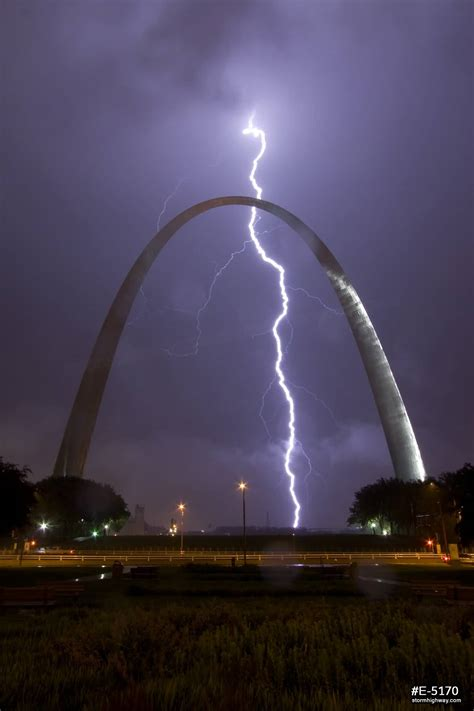 gateway arch 35 very beautiful night pictures of the gateway arch