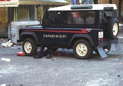 caso giuliani genova 2001 carlo giuliani non si archivia un omicidio