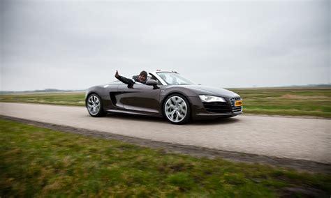 Audi Sls by Foto Reviews Vergelijkingen Audi R8 Spyder Versus