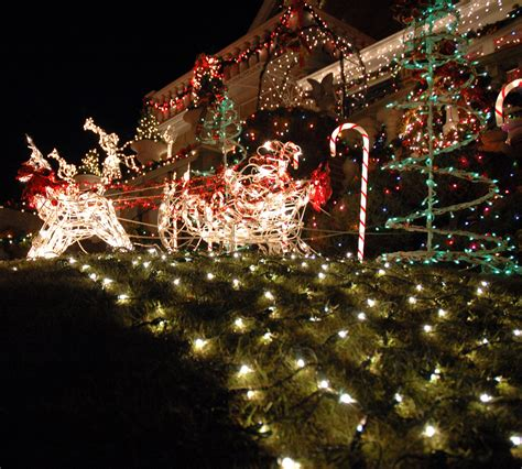 top 10 biggest outdoor christmas lights house decorations