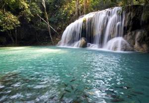 famous waterfalls in the world the feral irishman 105 world s most amazing and famous