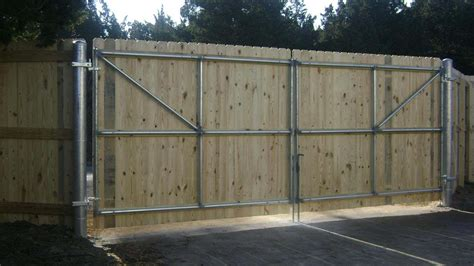 Wood Fence Door by Pdf How To Build A Wood Fence Gate With Metal Posts Plans Free