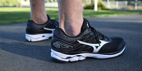 athlete s foot shoes footwear review mizuno wave rider 20 the athlete s