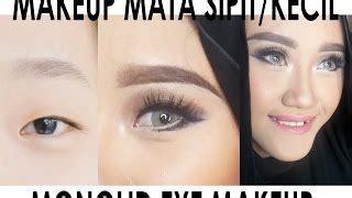 Eyeshadow Agar Mata Terlihat Besar cara makeup mata sipit jadi besar makeup vidalondon