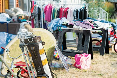 Best Day For Garage Sale by Make Your Garage Sale A Big Deal By Following These 10