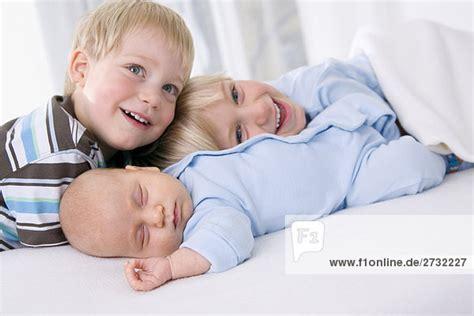 baby 4 monate schlaf baby 2 monate junge 2 3 jahre und junge 4 5 jahre