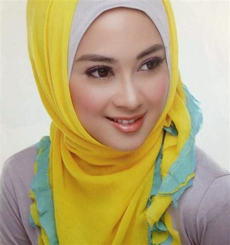 Indonesia Jilbab Fashion Of Actresstrend Model Oursongfortoday