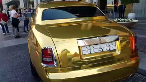 roll royce dubai golden rolls royce at dubai mall 17 01 2016 youtube