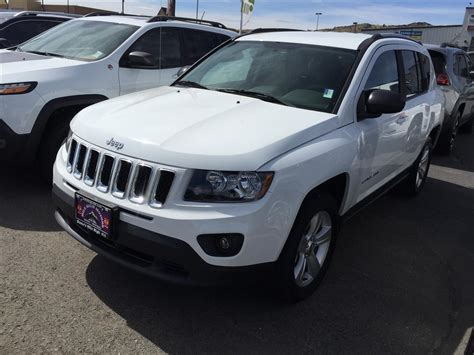 white jeep 2016 2016 jeep compass sport 2 4l cvt 4wd suv white color