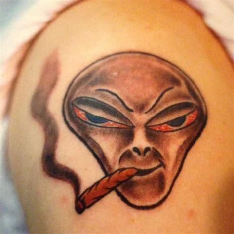 25 tatuaży inspirowanych marihuaną jamajka blog strona