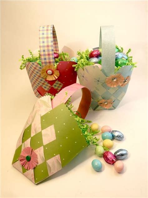 Paper Easter Baskets - how to weave a paper easter basket