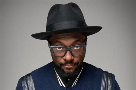 will i am will i am admits he doesn t have time for girlfriends
