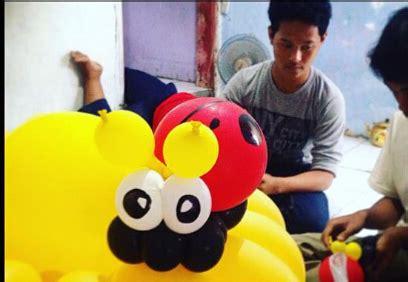 Balon Foil Bunga Matahari sanggar badut sulap membuat balon coloumn bunga matahari