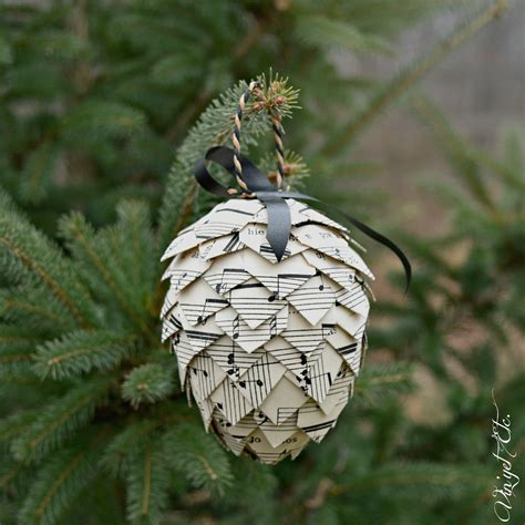 a pinecone christmas diy ornament vin yet etc vin yet etc