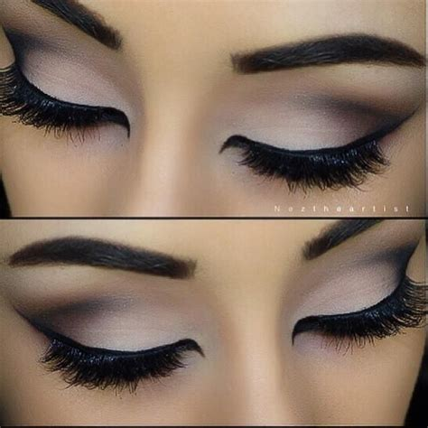 Eye Liner Silky soft light look trends style make up