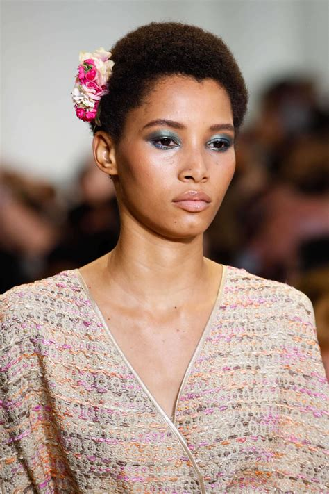 hiar stlyes with min afro stylish hairstyles for black women from the runway