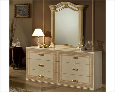 Made In Italy Bedroom Furniture Classic Beige Finish Bedroom Set Made In Italy 44b5311