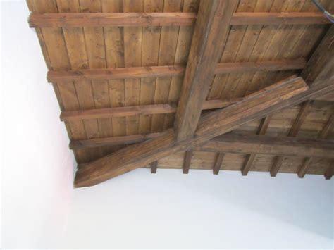 soffitti in legno lamellare best travi lamellari prezzi con travi finto legno obi e