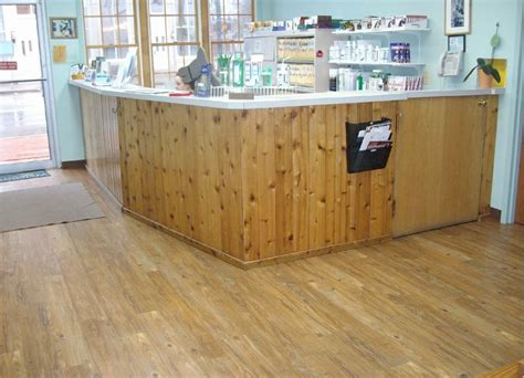 Veterinary Reception Desks Veterinary Reception Desks Pin By Peggy Read On Shops And Restaraunts Roswell Vet Front Of