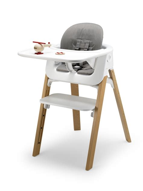 hoch stuhl stokke fan check out the new stokke steps kip hakes