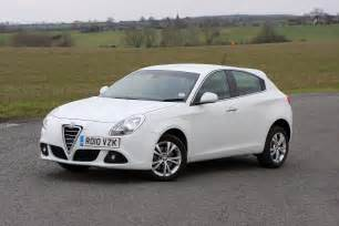 Reviews Alfa Romeo Giulietta Alfa Romeo Giulietta Hatchback Review 2010 Parkers