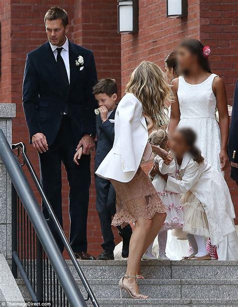Gamis Ayudia Rania Dusty Pink gisele bundchen joins husband tom brady to attend his