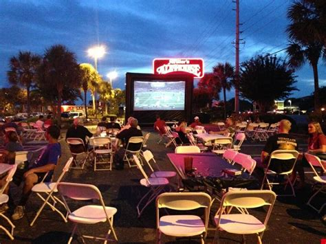 outdoor screen rentals backyard cinema rentals florida