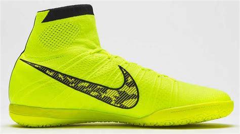 Sepatu Nike Shox Original harga sepatu futsal nike original terbaru harga sepatu