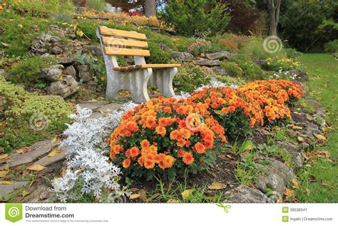 Autumn Flowers For The Garden Autumn Flowers In A Rock Garden Ontario Canada Stock Image Image Of Backyard Decorative