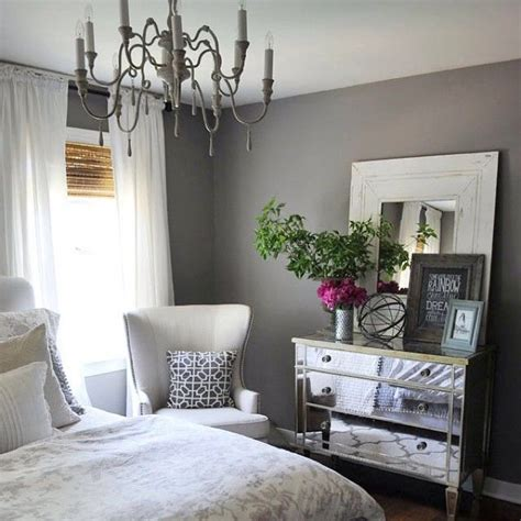 Bedroom Decor Instagram by We Re Inspired By This Beautifully Styled Bedroom By