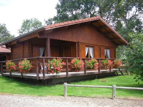 desain rumah kayu mewah elegan klasik  cantik  egrafis