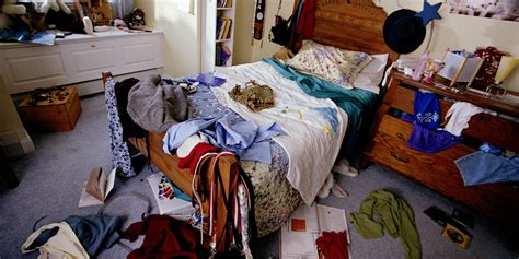 how to clean a cluttered bedroom i decluttered my closet with the konmari method and here s