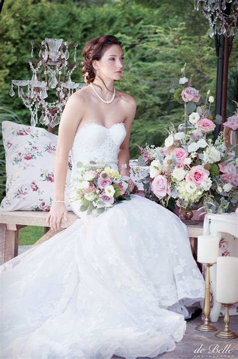 Elegant Wedding Magazine   Vintage Charm Editorial   de
