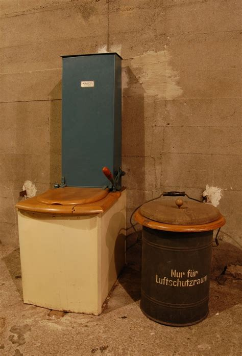 Earth Closet Toilet by Wiki Toilet Upcscavenger
