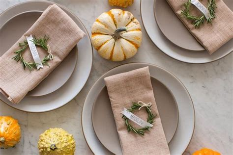 things to do at thanksgiving table last minute easythanksgiving table settings cool eats
